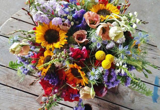 #peonie #ostróżka #kraspedia #słoneczniki #eustoma #bukiet #ślub